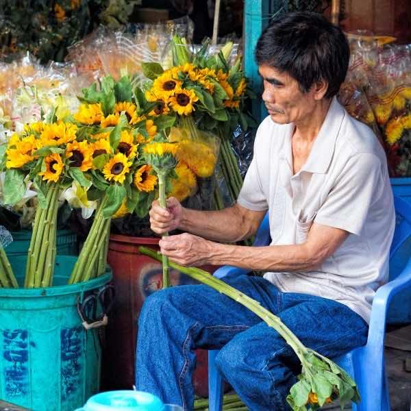 Ho-Thi-Ky-Flower-Market
