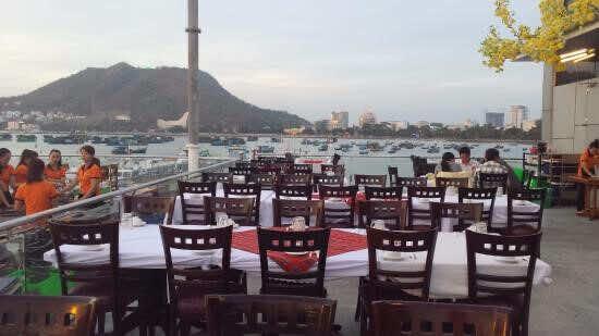 Ganh-Hao-Seafood-Restaurant