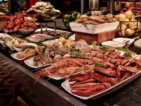 Mezz-Restaurant-Sofitel-Saigon-Plaza-2