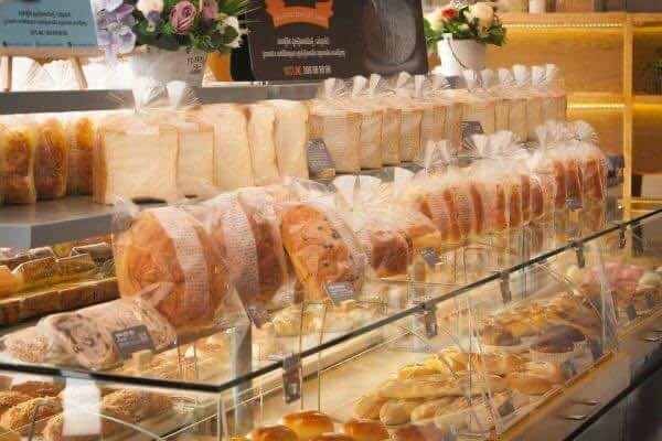 BreadTalk-Bakery-2