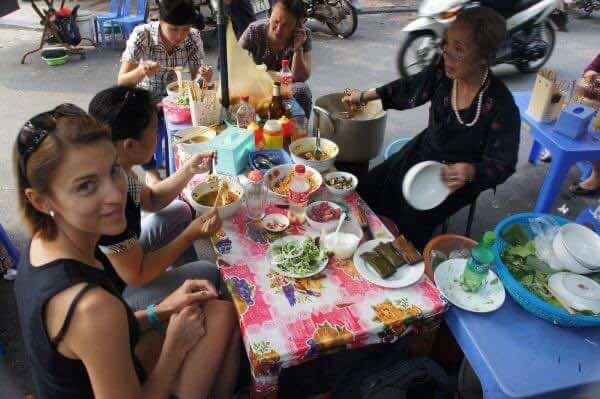 Enjoying-street-food-paradise-2