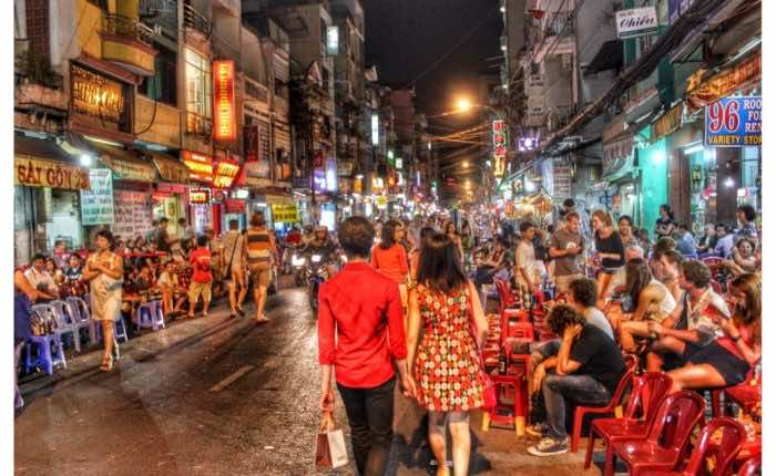 backpacker-district-saigon