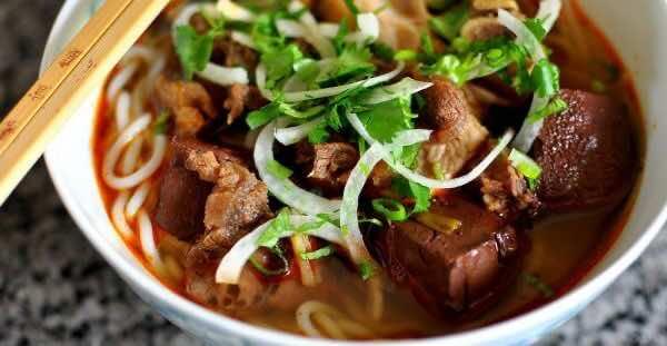 Bun-Bo-Hue-Hue-Beef-Noodle