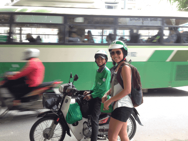 Experiencing-the-city-of-Vietnam-on-two-wheels-2.jpg