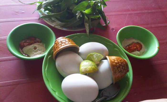 Trung-vit-lon-Fetal-duck-egg-1