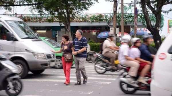 Do-not-hesitate-crossing-the-street
